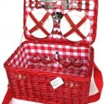 Cesta picnic mimbre rojo con tela cuadros vichy para  4 servicios.